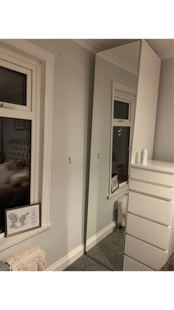 Single mirrored ikea wardrobe