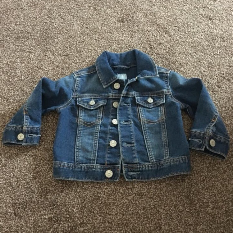 GAP denim jacket, immaculate never worn. 12-18 mths