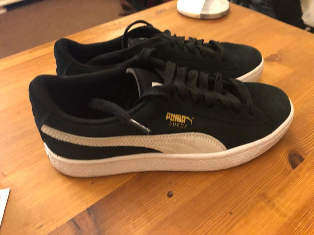 Black size 4 puma suede trainers