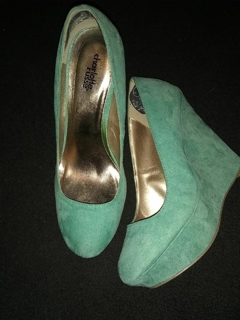 Brandnew woman heels 15 peice