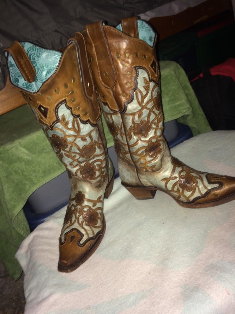 Corral women's floral overlay & studs snip toe boots