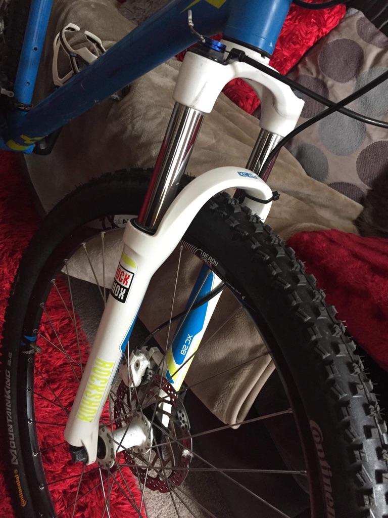 27 speed Qube mountain bike