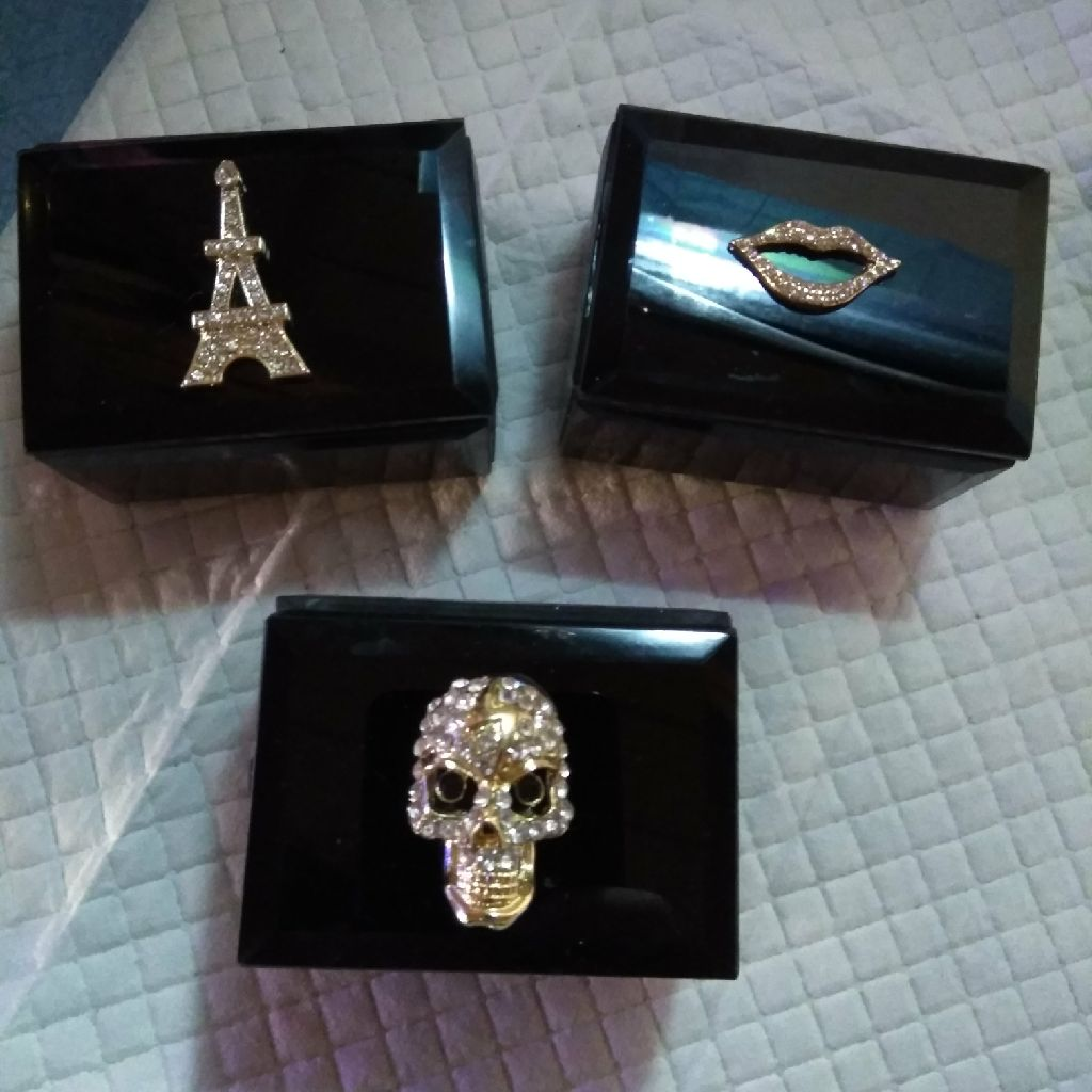 Set of 3 glass boxes