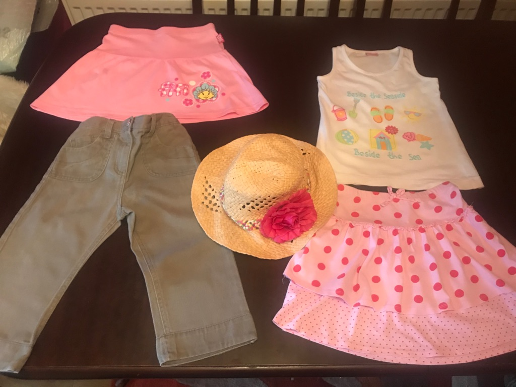 A Lovely Summer Bundle of girls clothes aged 4-5, 5 items