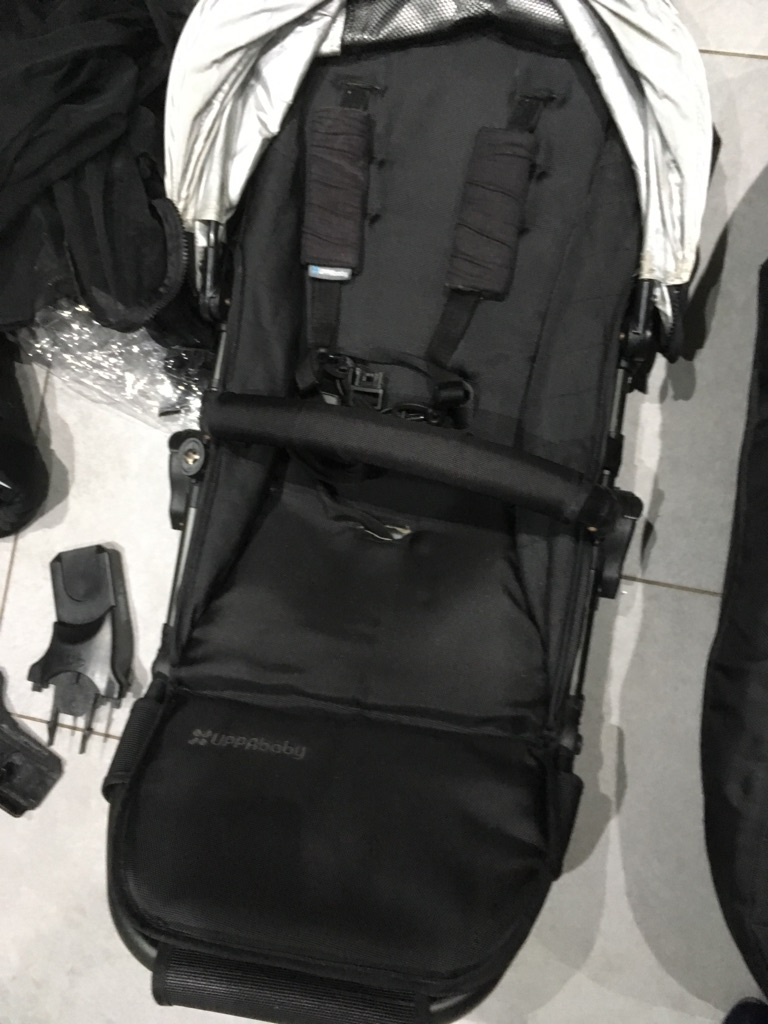 2012 uppababy vista travel system /pram jake black
