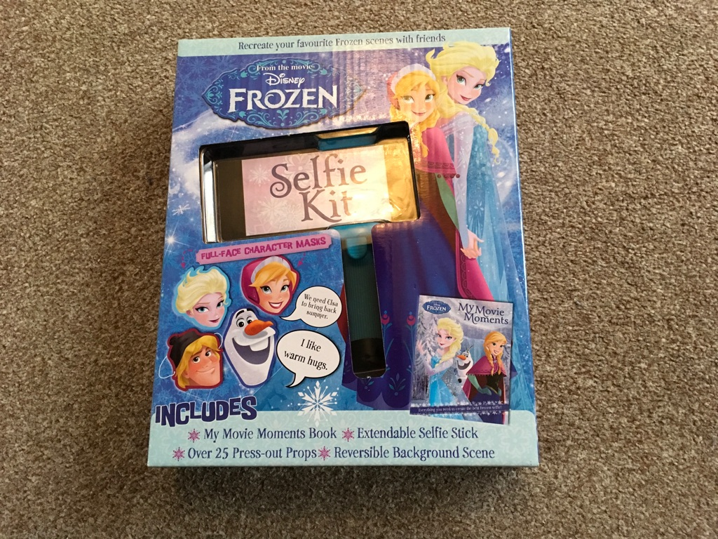 Official Frozen Extendable Selfie Stick With Props! *BRAND NEW*