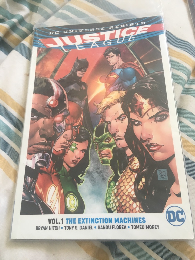 2 comic books marvel and DC