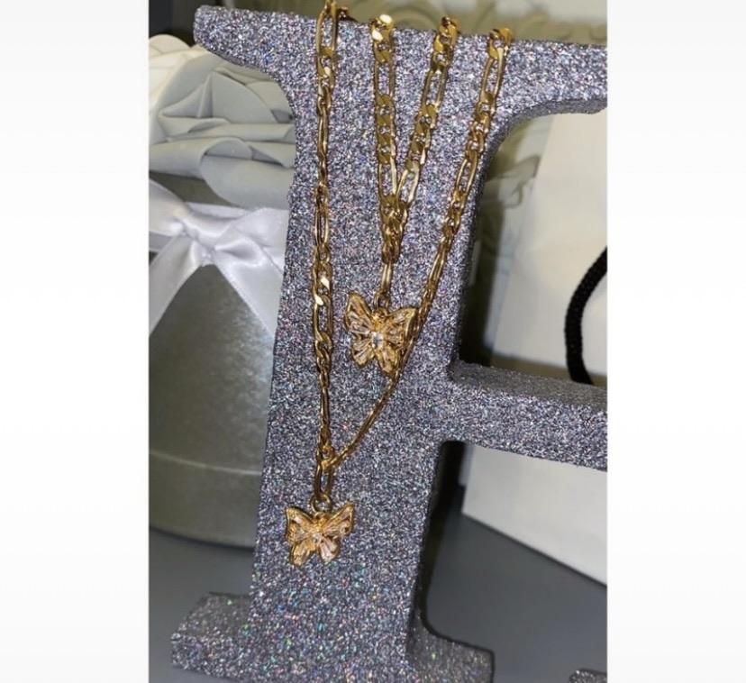 Beautiful butterfly necklace & bracelet set