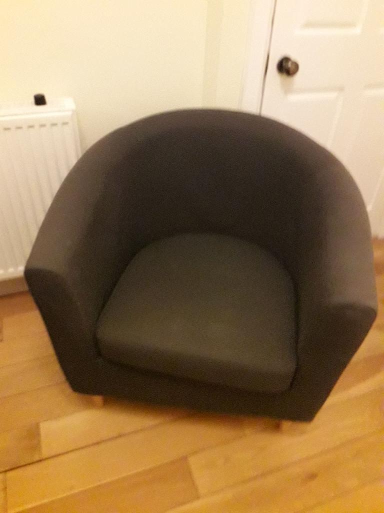 Tub chair with cushions