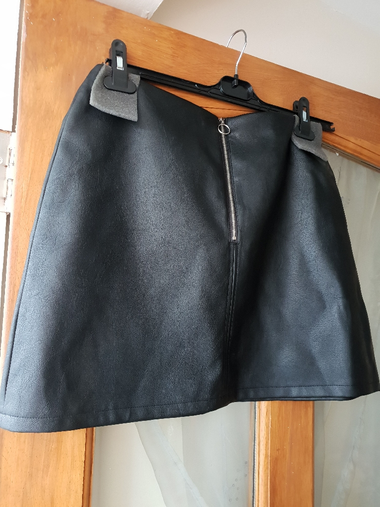 Size 14 Brand New leather look skirt