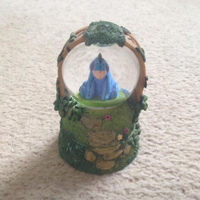 Disney Eeyore Globe