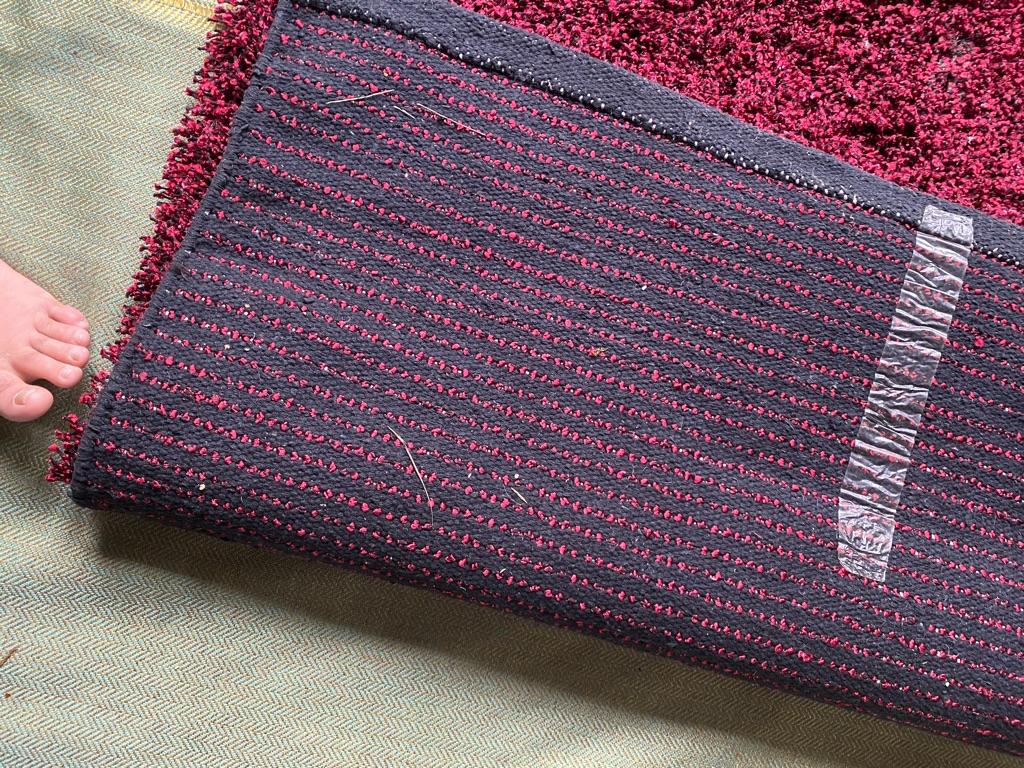 Carpet red 2 .m 1.20 m