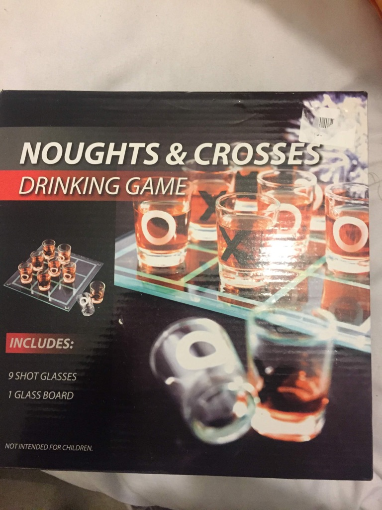 Glass nought and crosses game