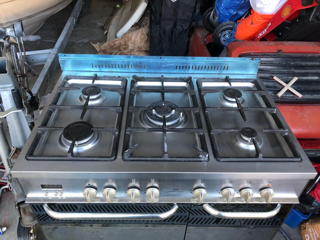 Range cooker dual fuel 5 burner New World
