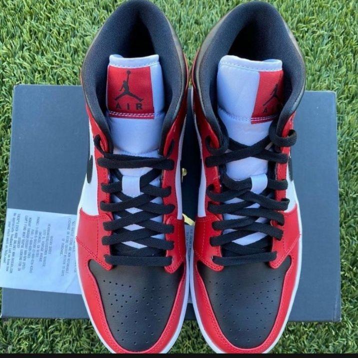 "Brand New Jordan 1 Mid ""Chicago Toe"""