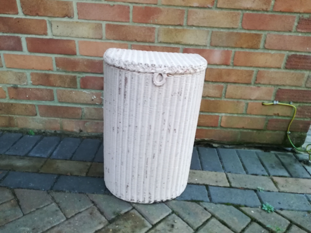 Vintage Lloyd loom laundry basket