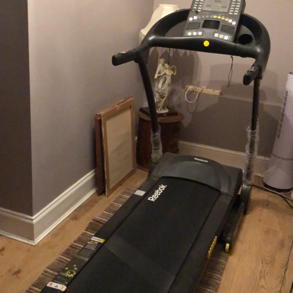 Reebok fitnesses running machine ZR8 hardly been used still got box and instructions will believer with in fifty miles from gray Essex £350
