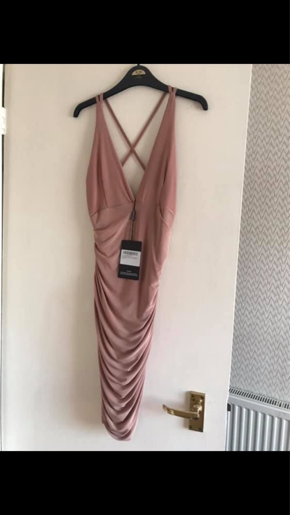Pretty little thing dress size 8 never worn tags still on