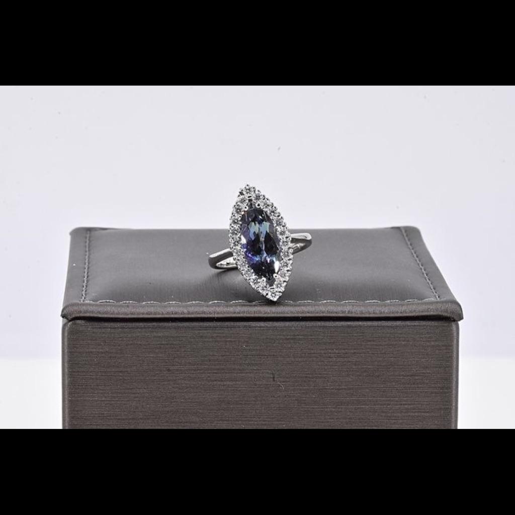 18 karat white gold diamonds and Tanzanite