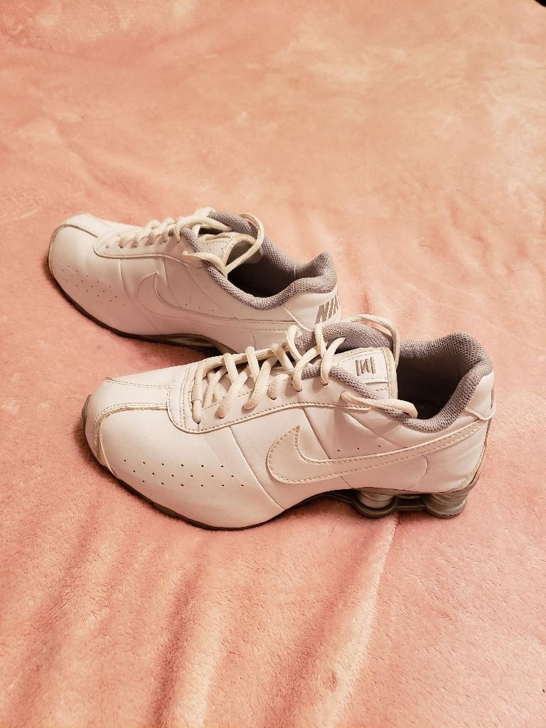 Nike classic 11shox running shoe