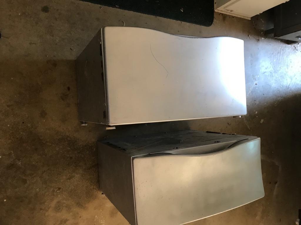 Two Washer/Dryer Pedestals