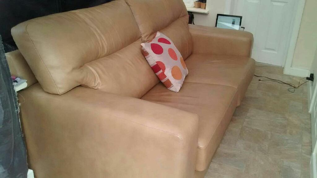 2 & 1 seater larger sofa set.