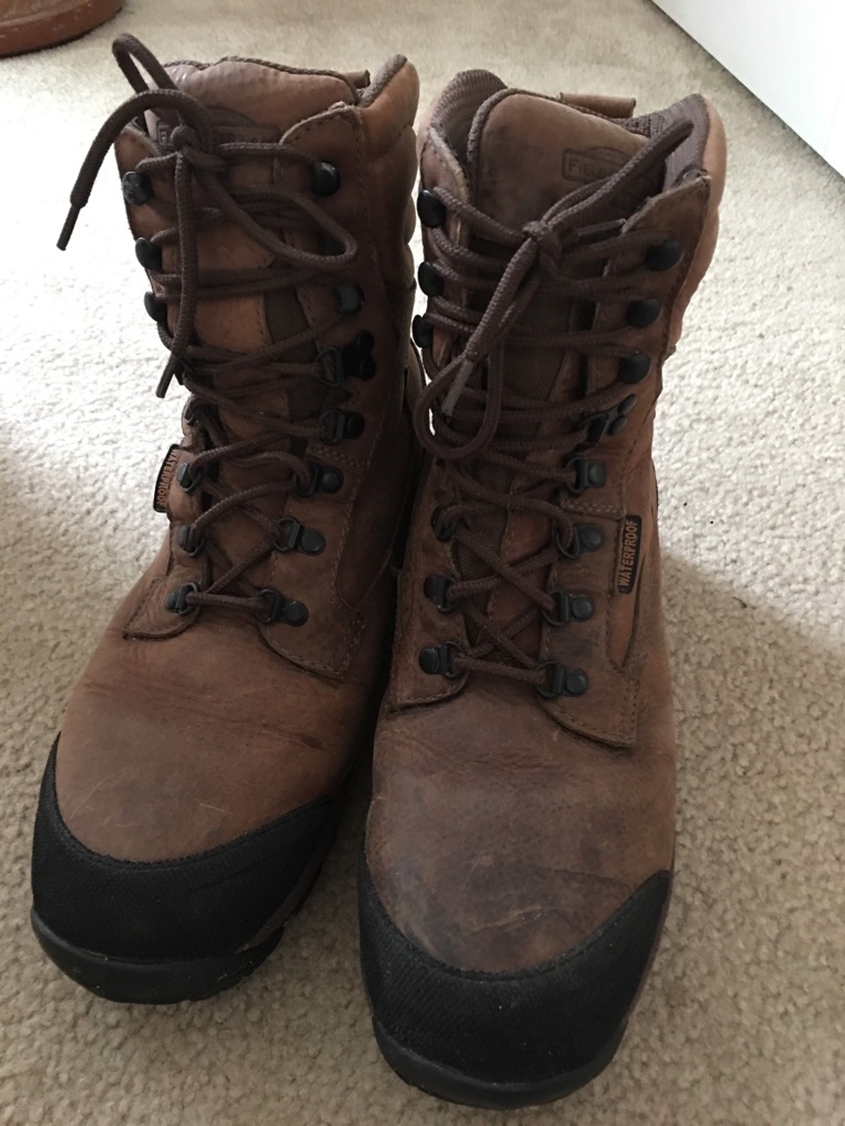 Men's outdoor insulated waterproof boots, size 10 1/2