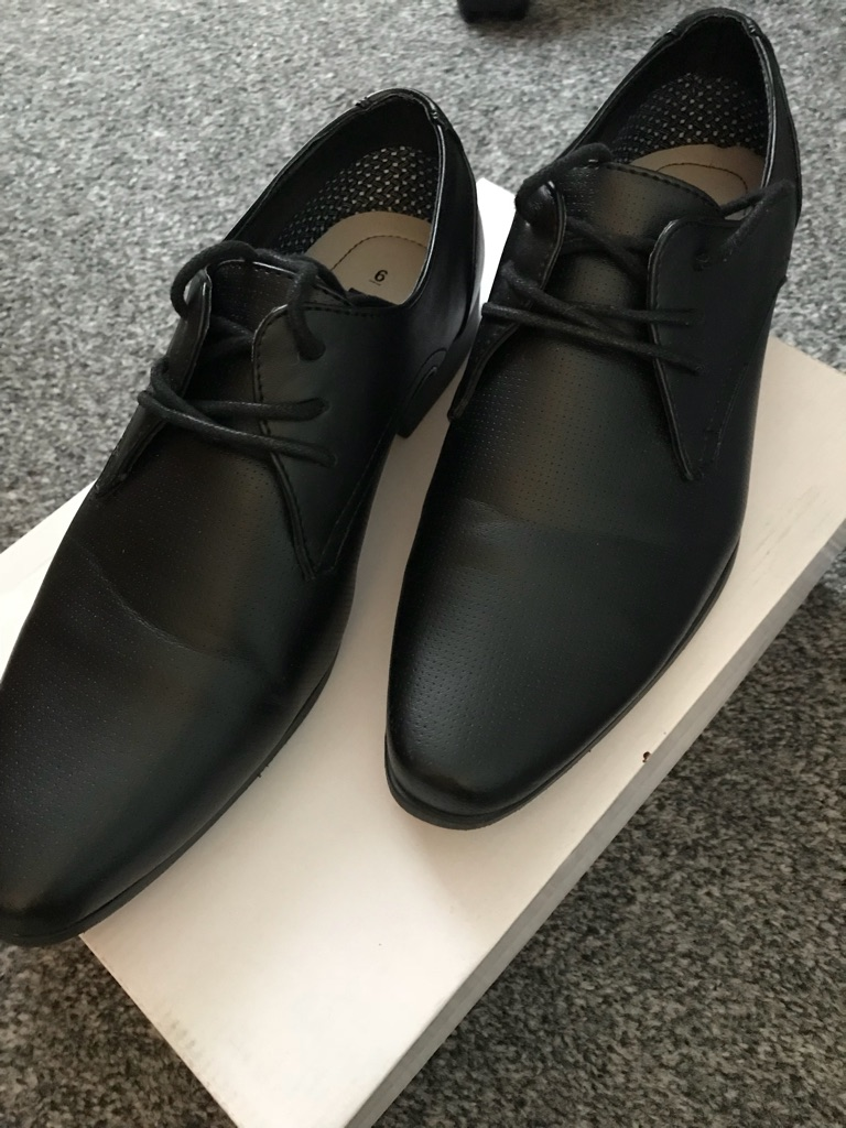 Boys shoes size 6 formal and casual black