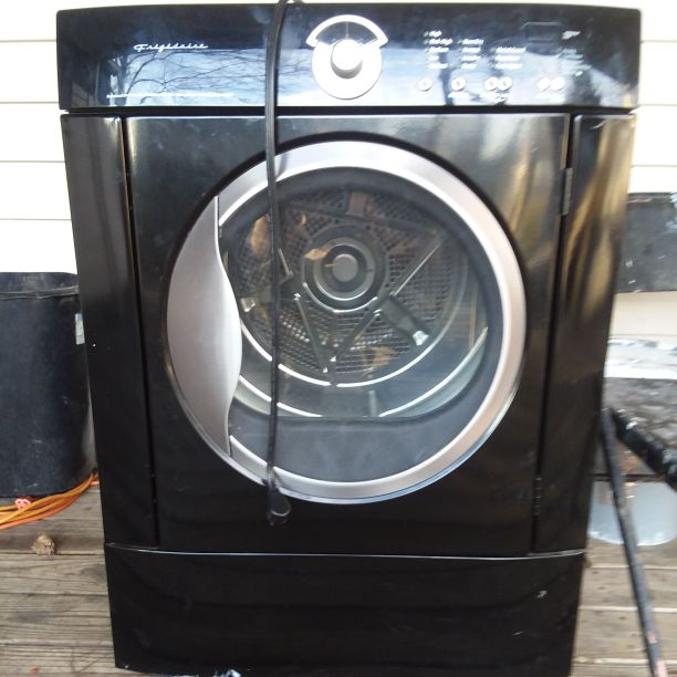 Gas dryer frigidaire