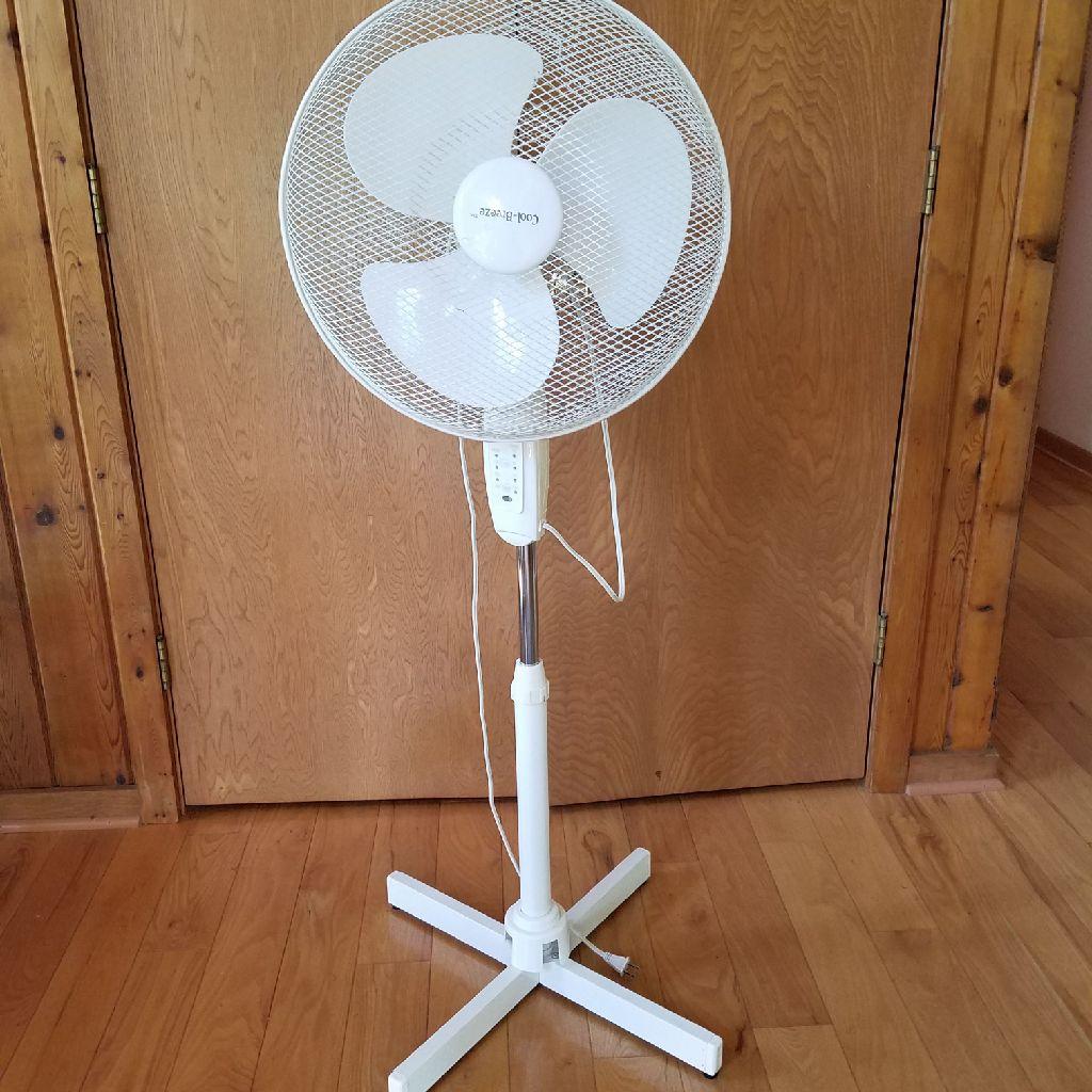"18"" Oscillating Cool Breeze Fan"