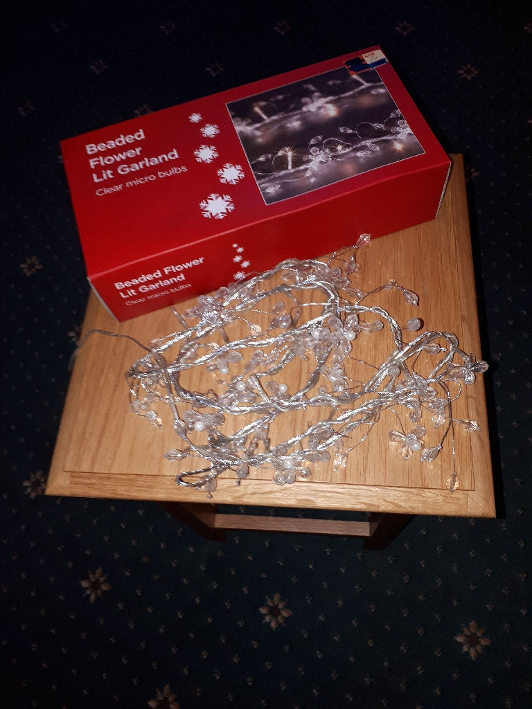 String of decorative lights battery operated