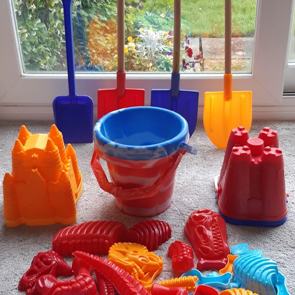 Children's Beach Play Items