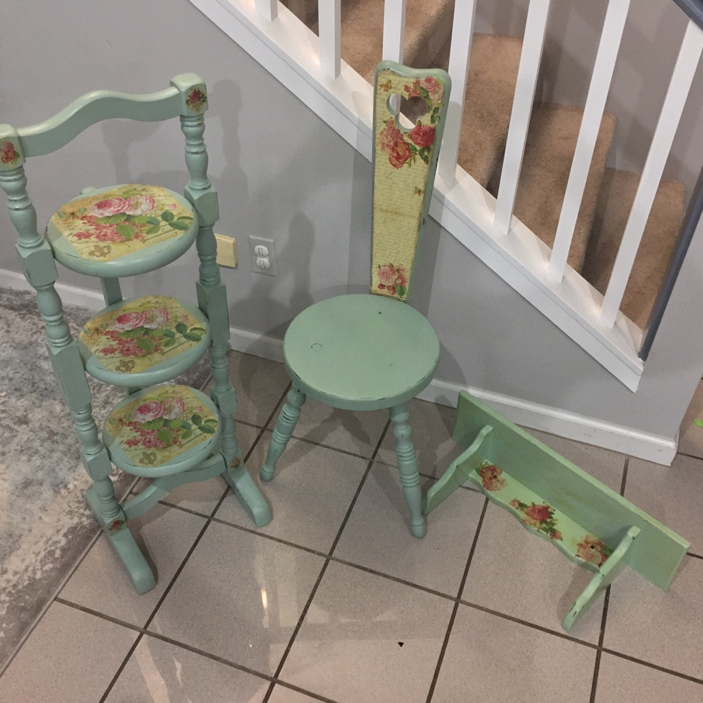 Vintage shabby chic style antique set of 3 pieces