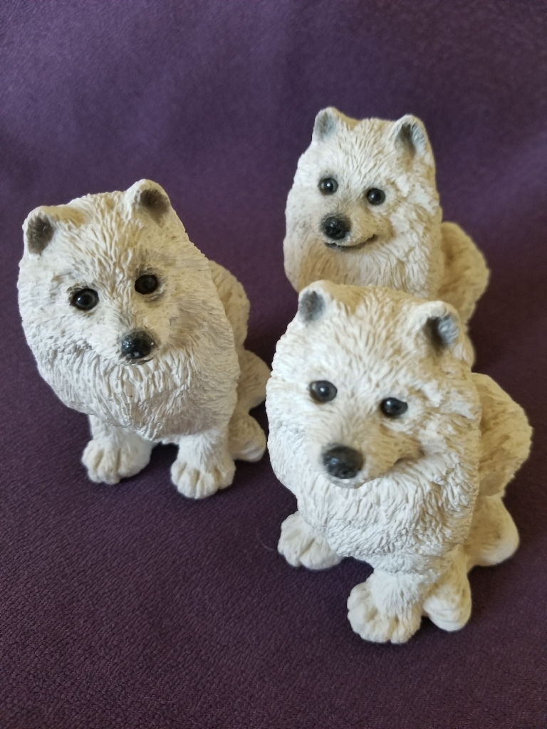 SAMOYED DOG Figurines