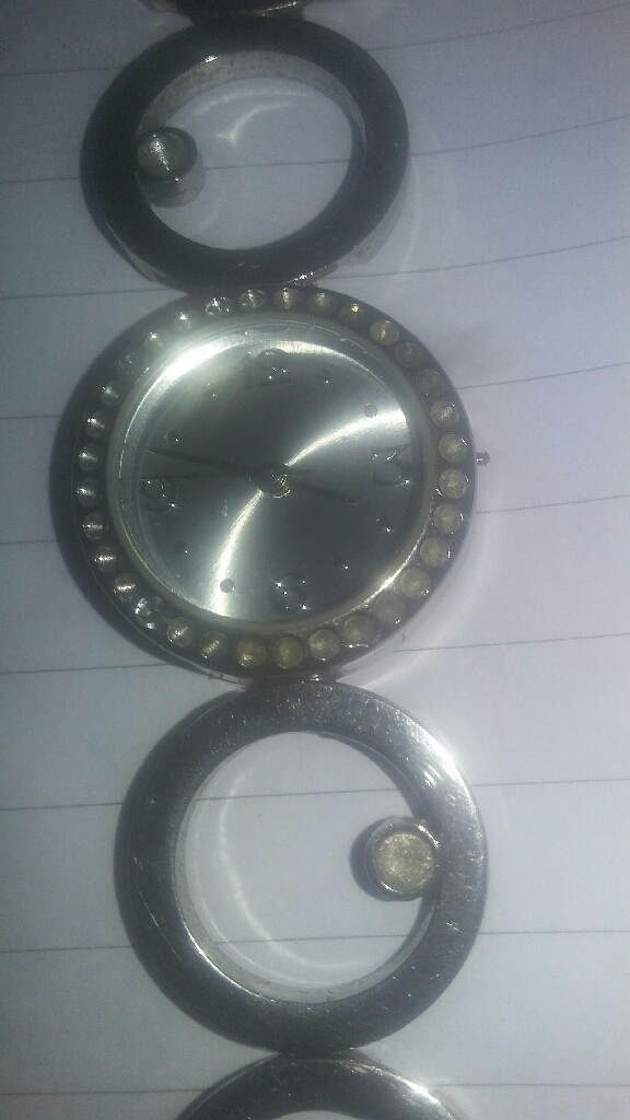 BEAUTIFUL ladies Guess watch
