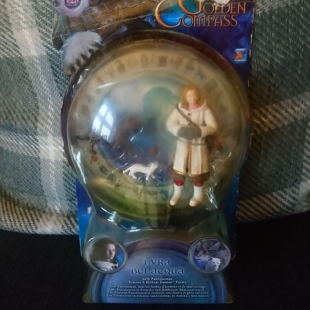 The golden compass Lyra Belacqua figure