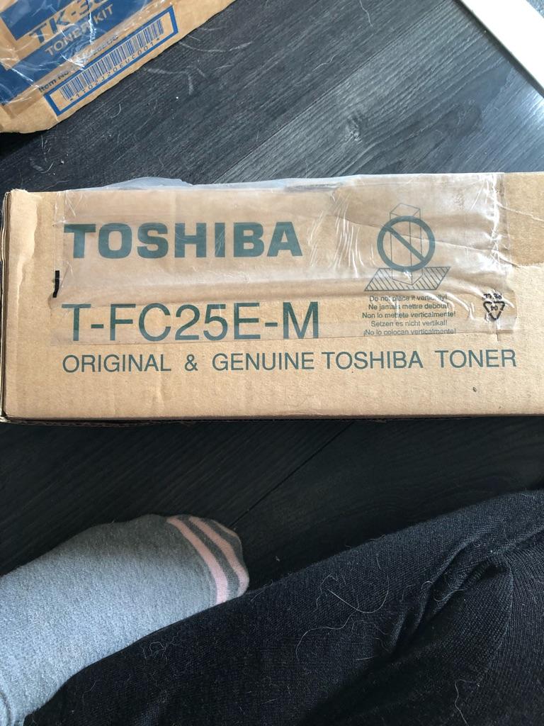Toshiba T-FC25E-M