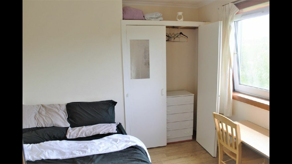 Spacious Room to Rent in Garthdee