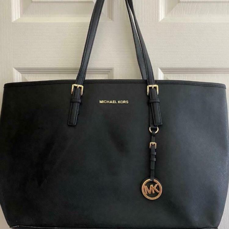 Excellent condition genuine Michael Korda handbag