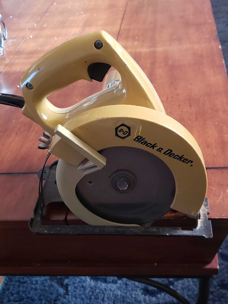 "Vintage 1960's 5 1/2"" BLACK & DECKER SKILL SAW"