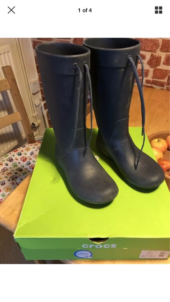 Crocs freesail boots navy size 3