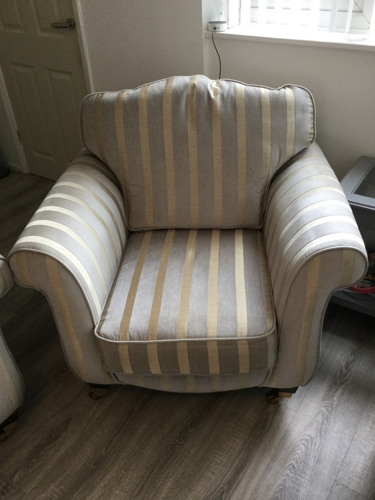 Duckegg blue and Gold stripe suite
