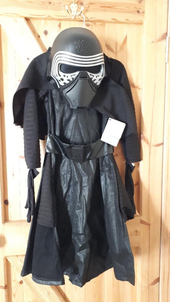 Disney Store Kylo Ren fancy dress Star Wars costume Age 5-6 Years