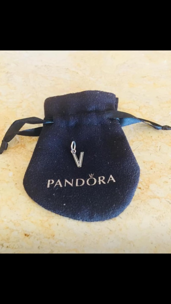 Pandora Vcharm