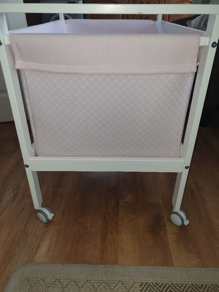 Small cot