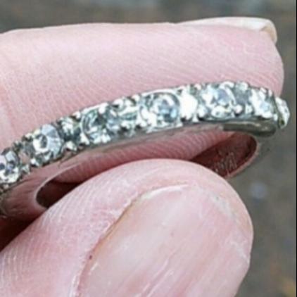 Platinum halfset diamond ring