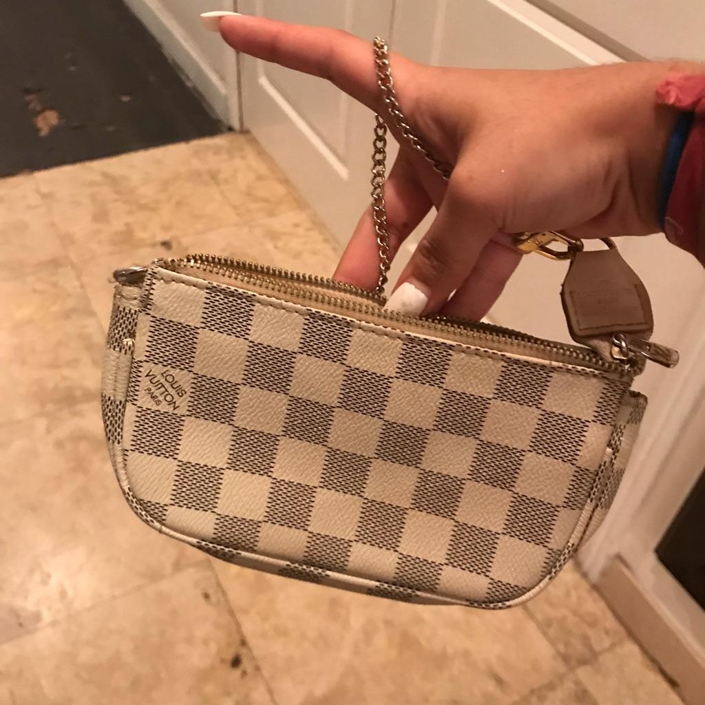 Louis Vuitton womens clutch