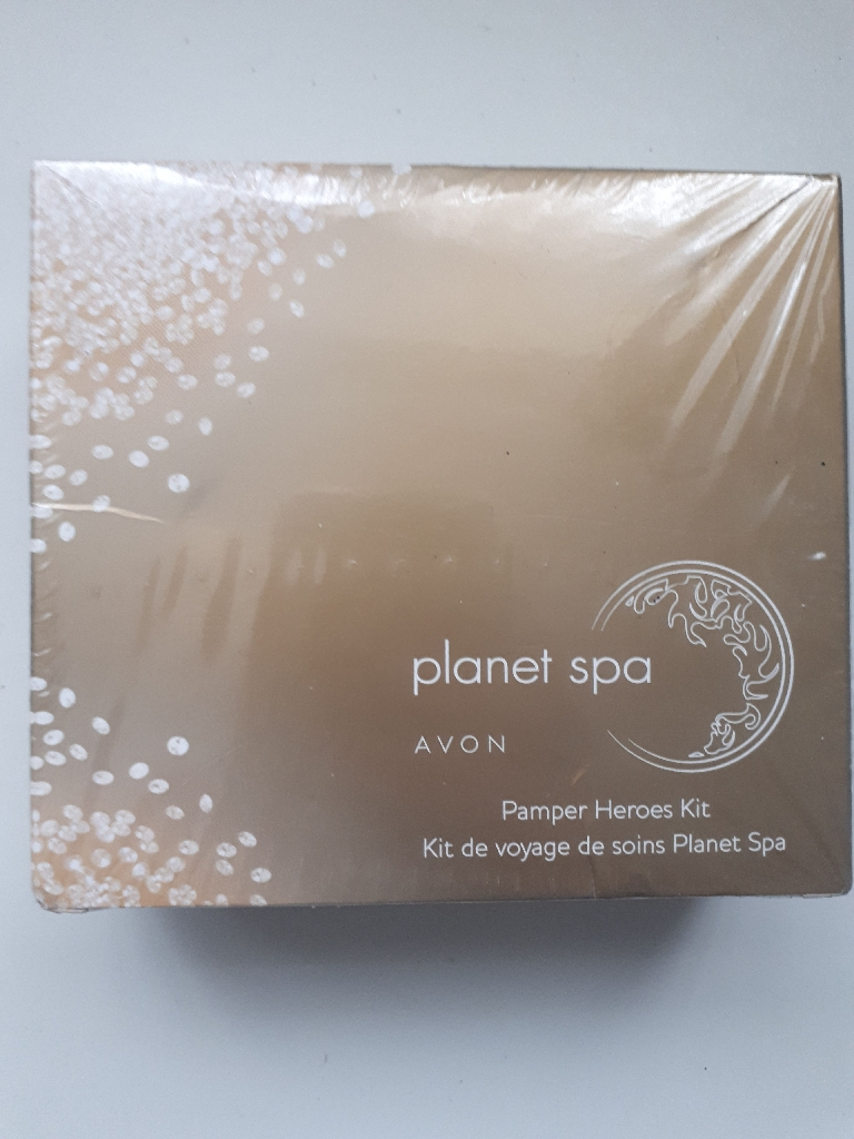 Avon Planet Spa Pamper Heroes Kit