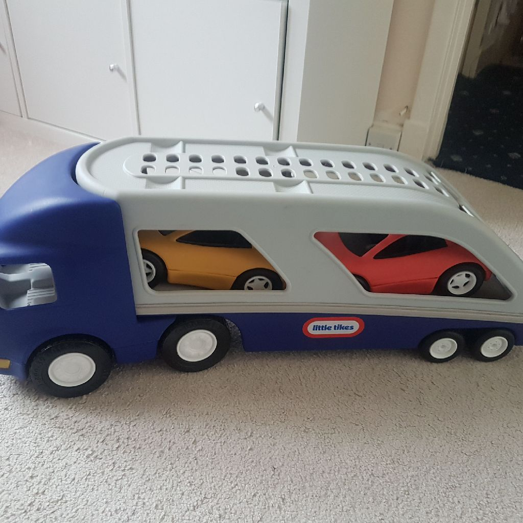 Transporter with 2 cars
