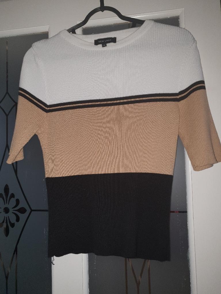 Top short sleeved